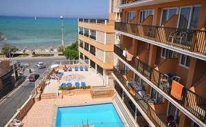 Hotel Encant aanzicht