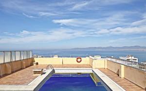 zwembad Hotel Caribbean Bay
