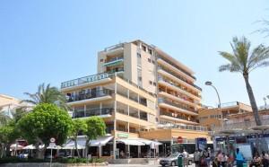 aanzicht hotel Encant