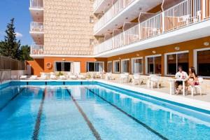 zwembad van hotel