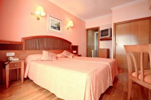 slaapkamer en bedden