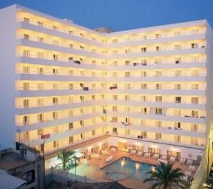 Aanzicht van het hotel