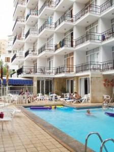 hotel bij het zwembad