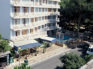 voorkant Hotel Reina Isabel