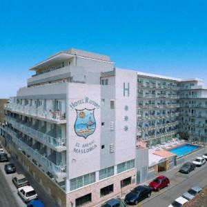 Zijaanzicht hotel