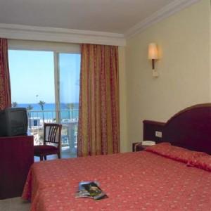 slaapkamer met uitzicht op zee