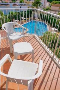 balkon met stoelen