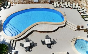 Bovenaanzicht zwembad