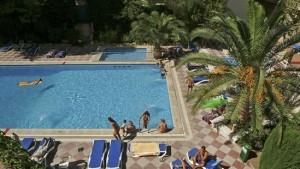 Zwembad van het hotel GOOG El Arenal